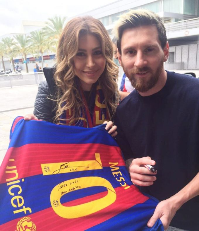 Messi Livanlik pop yulduzini tanimadi (foto)