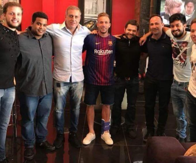 """""""Barselona"""" """"Gremio"""" futbolchisini sotib oladi (FOTO)"""