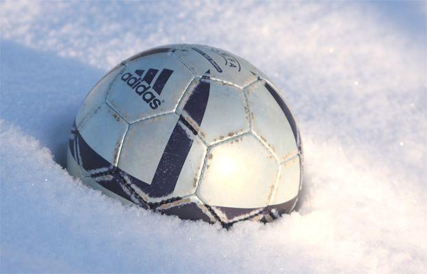 O'zbek futboli ustiga birinchi qor yog'di. O'yin esa endi boshlanadi- uzfifa.net.