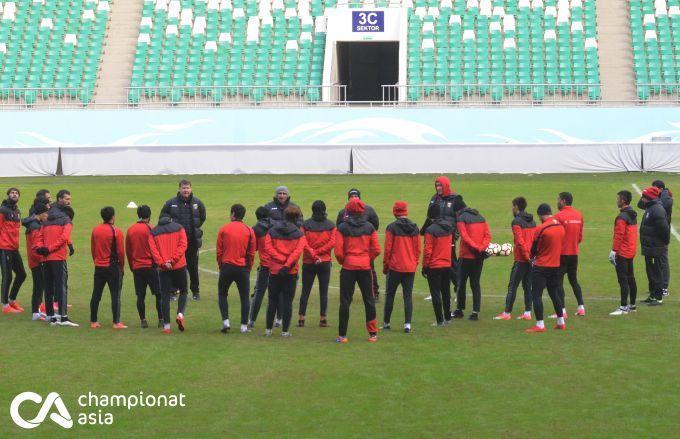 """""""Lokomotiv"""" final bahsi oldidan rasmiy mashg'ulot o'tkazdi (FOTO)- uzfifa.net."""