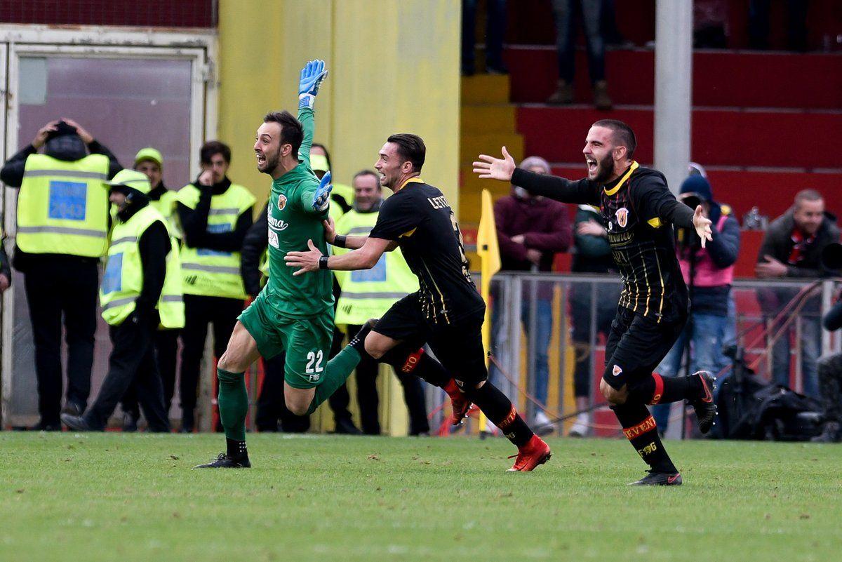 """Bu daxshat! """"Beneveto"""" darvozaboni 90+5-daqiqada gol urib jamoasiga tarixiy natija keltirdi- uzfifa.net."""