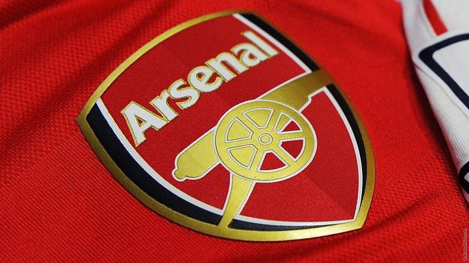"""""""Arsenal"""" bir yo'la 6 futbolchisidan ayriladimi?"""