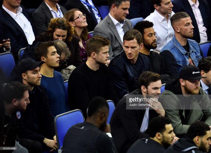 Londondagi basketbol uchrashuvi futbol yulduzlari bilan to'ldi (+FOTO)