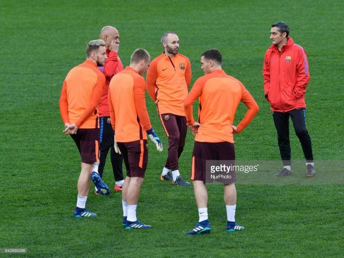 """""""Barselona""""ning """"Roma""""ga qarshi o'yindan oldingi mashg'ulotidan FOTOGALEREYA"""