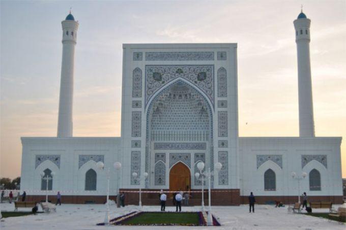 Odil Ahmedov va boshqa sportchilar Toshkentda masjid qurishadi