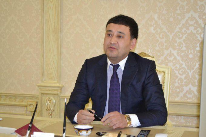 Umid Ahmadjonov Qatar futbol associaciyasi prezidenti SHayx Hamad bin Xalifa Ahmad al-Taniy taklifiga ko'ra Dohaga jo'nab ketdi