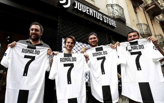"""Turin ko'chalarida """"Ronaldu""""lar ko'payib bormoqda FOTO"""