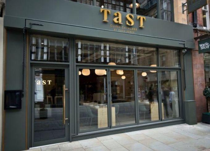 Gvardiola Manchester shahrida restoran ochdi (+FOTO)