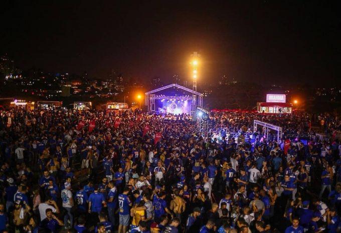 """Dahshat! """"Kruzeyro"""" Braziliya Kubogi finaliga chiqqanini qanday nishonlaganini ko'rdingizmi? (FOTO)"""