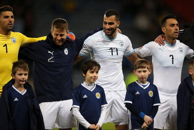 Isroillik futbolchilar bolalar sovuq qotishiga yo'l qo'yishmadi (FOTO+VIDEO)