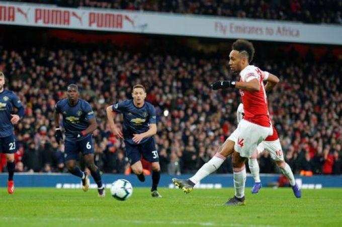 """APL. """"Arsenal"""" - """"Manchester Yunayted"""" o'yinida Sulsher o'zining dastlabki mag'lubiyatini qabul qilib oldi"""