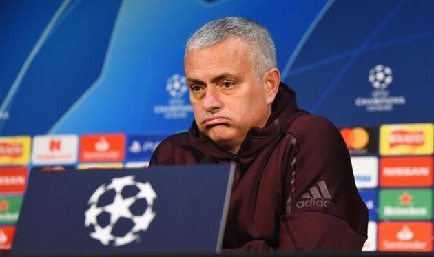 """Mourinyu: """"Aniq loyihaga ega bo'lgan klubdan taklif kutayapman"""""""