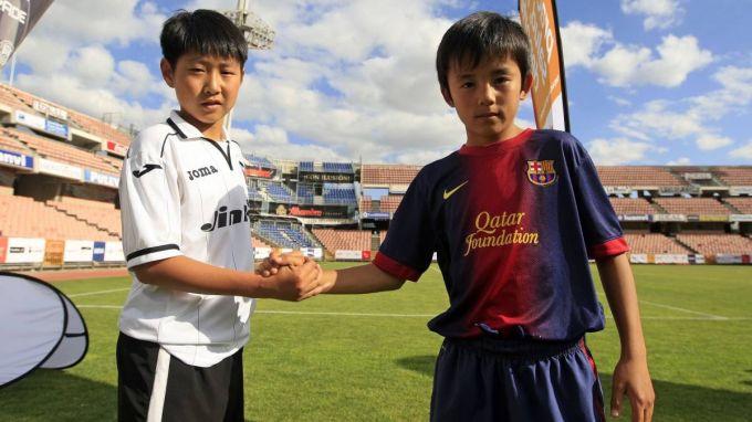 Yaponiyalik futbolchilar Ispaniyani zabt etishmoqda
