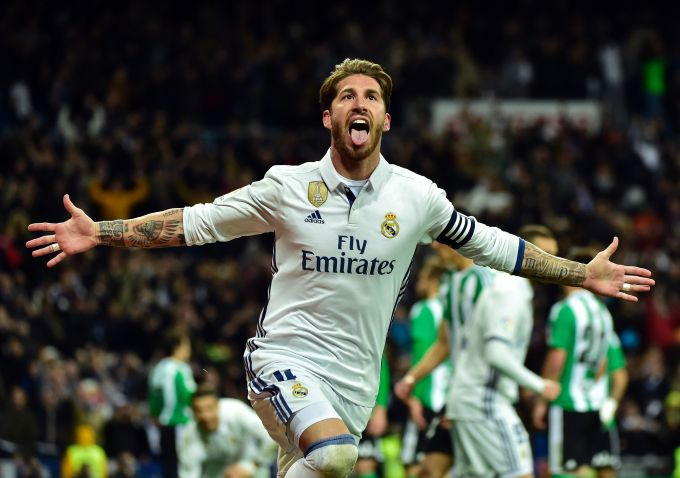 """""""Real"""" Ramos bilan muzokaralarni boshladi. Rahbariyat jamoa etakchisi uchun..."""